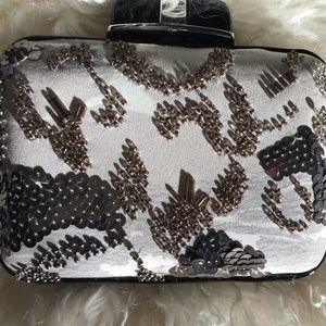 Karen Millen Bags - ♣️lux♣️Karen Millen Silk Beaded Box Clutch